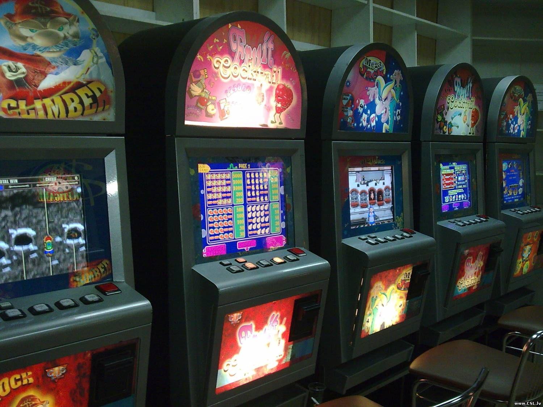 Где можно поиграть в игровые автоматы в чем пойти в казино на манхеттоне